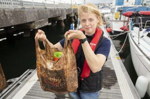Bolsas biodegradables no son reciclables ni sostenibles
